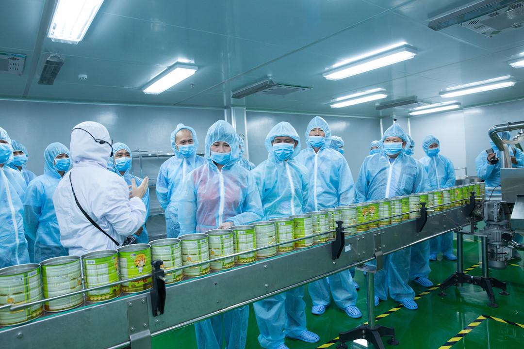 Nhà máy Vitadairy nơi sản xuất Sữa non Colosbaby